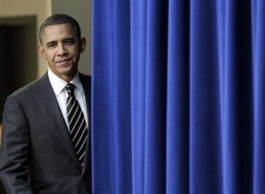Obama_behind_the_curtain